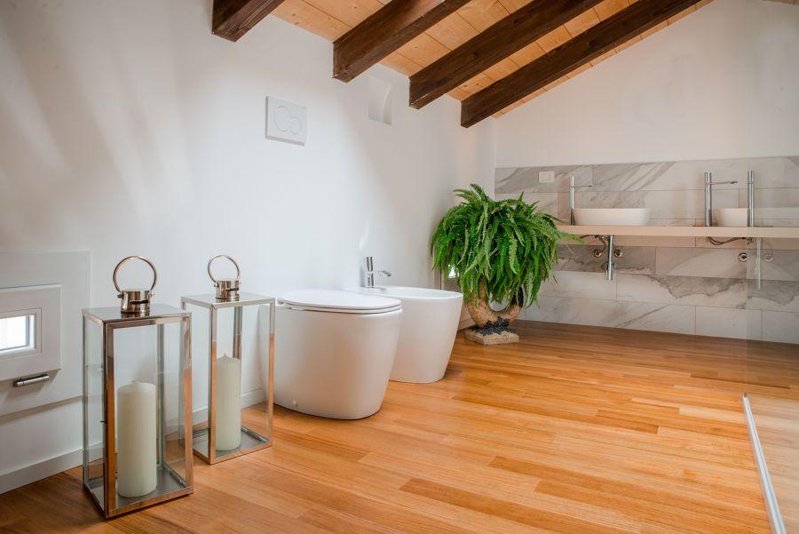 legno in bagno