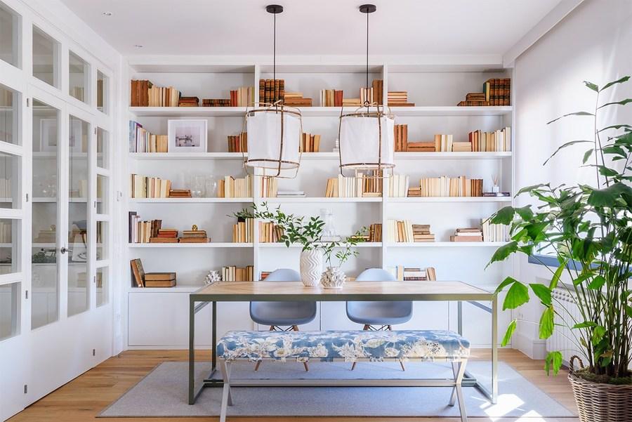 Libreria bianca a tutta altezza