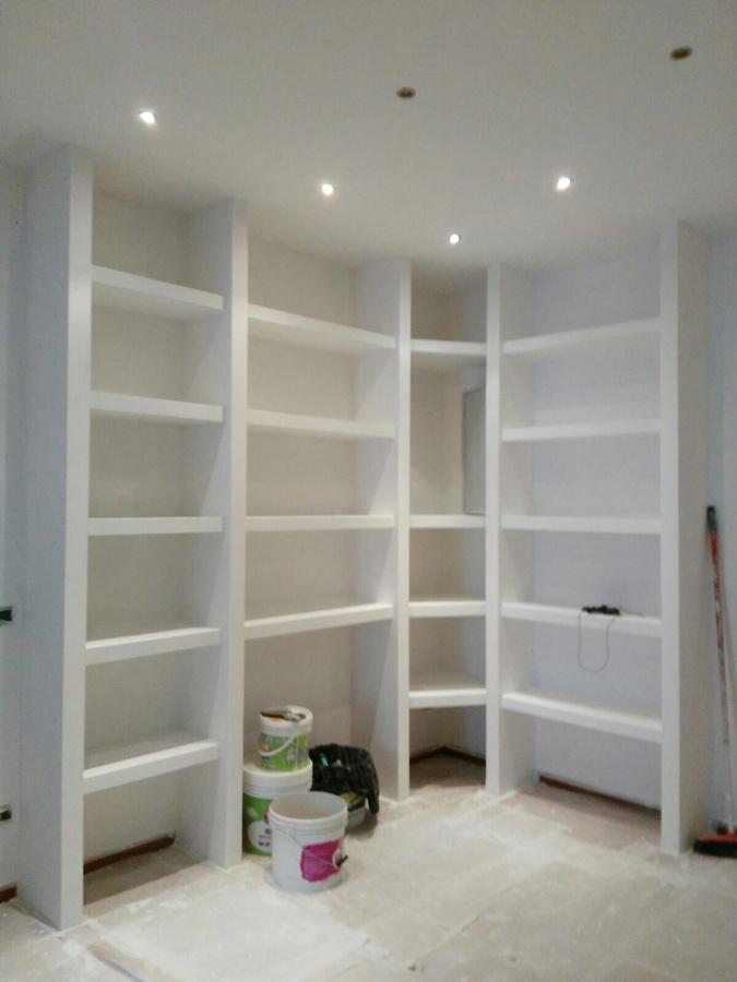 Libreria in cartongesso idee ristrutturazione casa for Idee in cartongesso