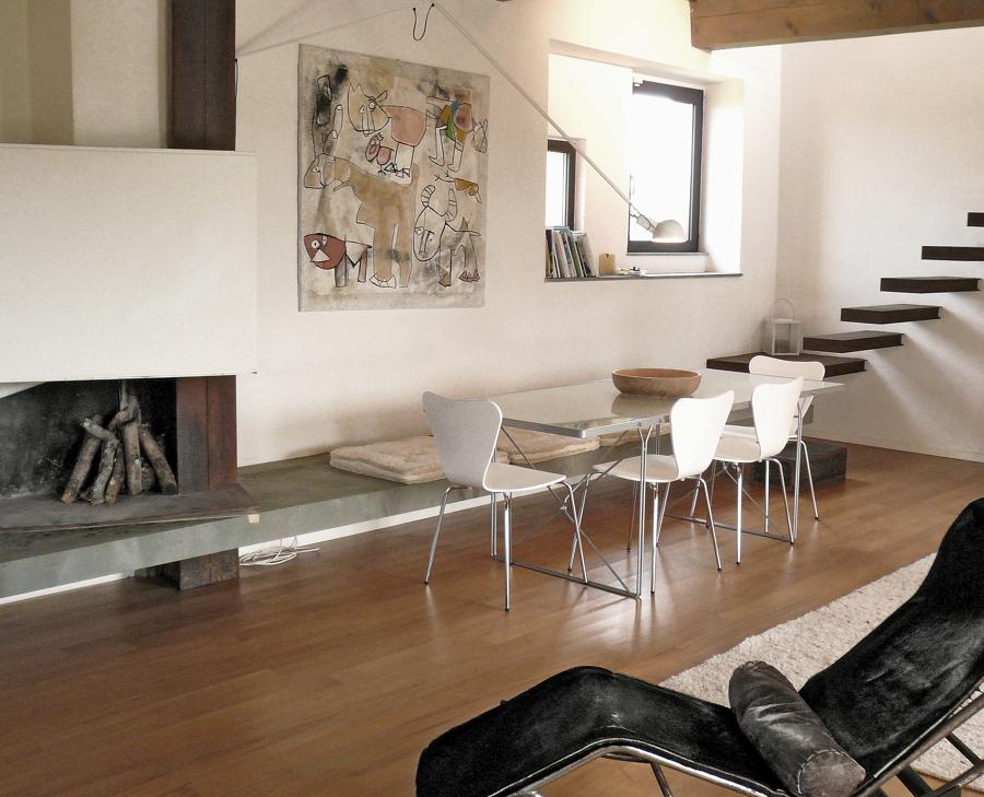 Foto living con camino di studio sarpi 336793 habitissimo for Living con camino