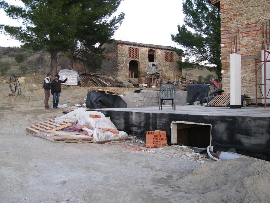 LO SCAVATO-RISTA SULLA SINISTRA E IL GEOMETRA MALAVOLTI SULLA DESTRA