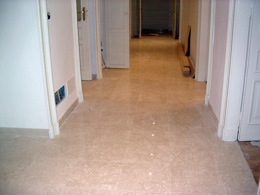 Progetto realizzazione di pavimento in marmo botticino for Idee di pavimento di mudroom