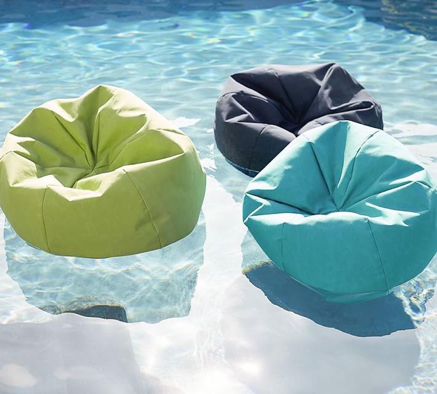 foto materassini per piscina de valeria del treste