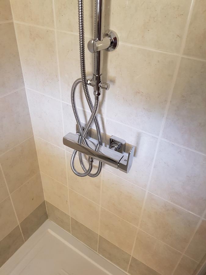 Sostituzione doccia idee ristrutturazione bagni for Piastrelle 90x90 prezzi