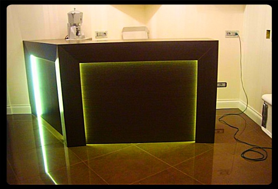 Progetto arredamento appartamento idee mobili - Mobile angolo bar ...