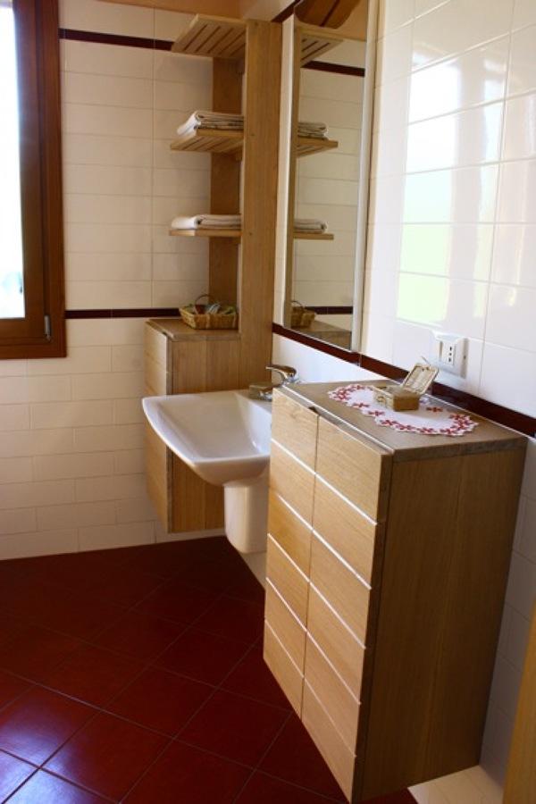 Appendiabiti Massello Rovere Cricket : Mobiletti bagno in rovere massello parete attrezzata