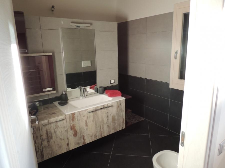 Appartamento via pisacane idee ristrutturazione casa for Idee appartamento