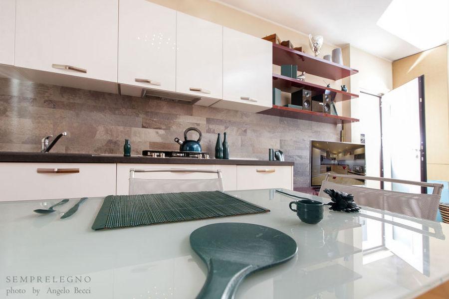 Mobili realizzati su misura per cucina moderna