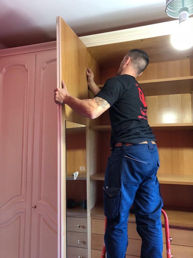 montaggio porta armadio