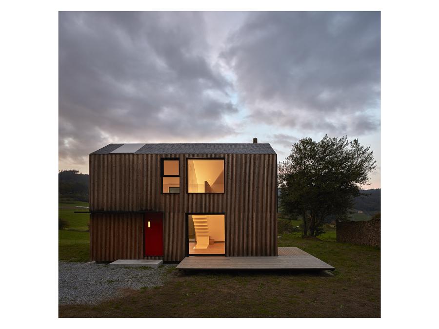 Montana House, progetto di casa prefabbricata nelle Asturie