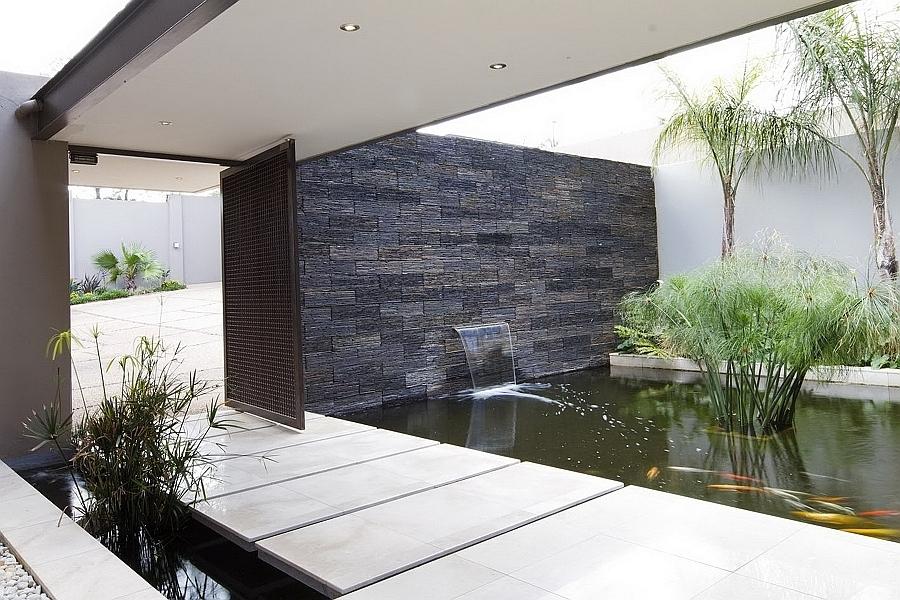 muro d'acqua con cascata
