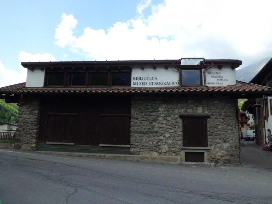 Museo etnografico + Biblioteca