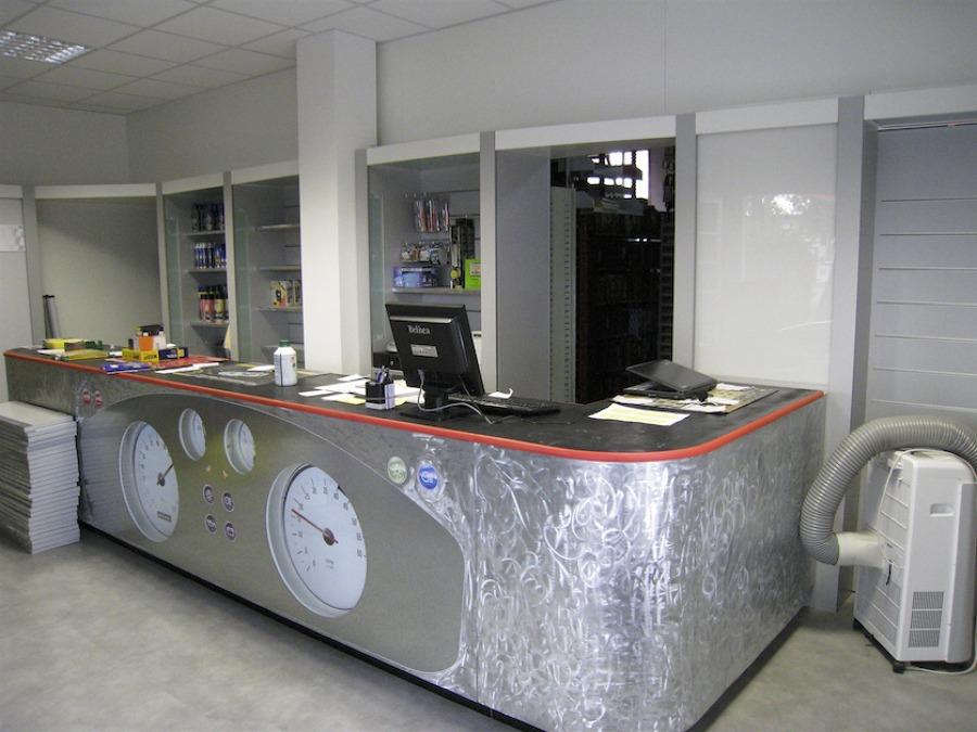 Foto negozio ricambi auto di pjb design consulting for Negozi arredamento vercelli