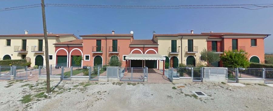 Foto nuova costruzione di case a schiera in lonigo di a g for Costruzione di case a prezzi accessibili