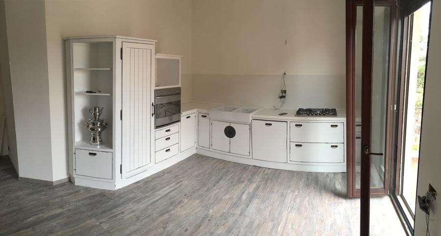Nuova disposizione della cucina