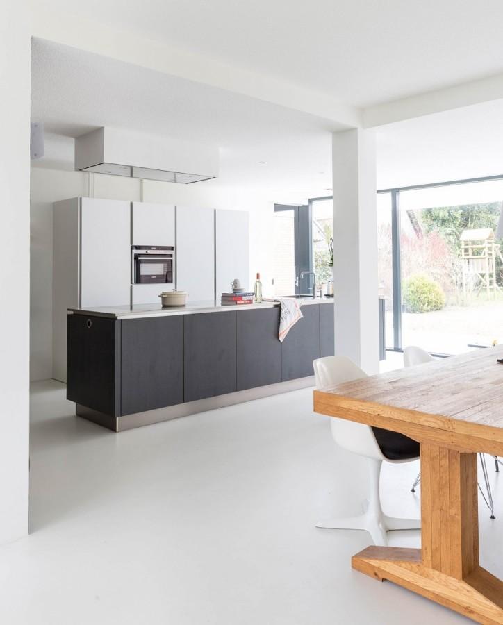 Open space con pavimenti in resina