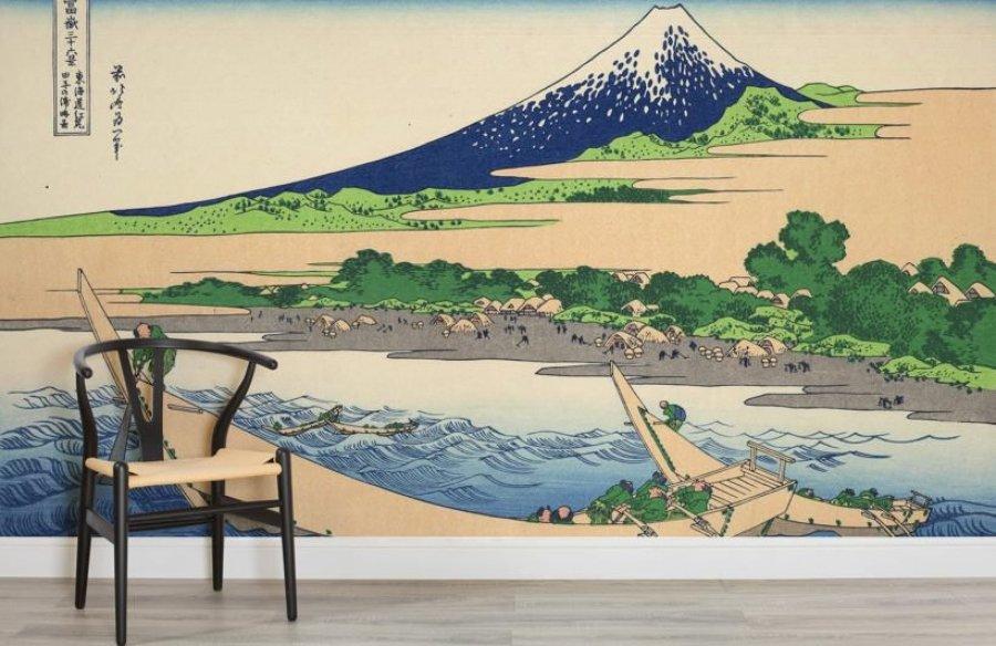 Opera di Hokusai riprodotta su carta da parati
