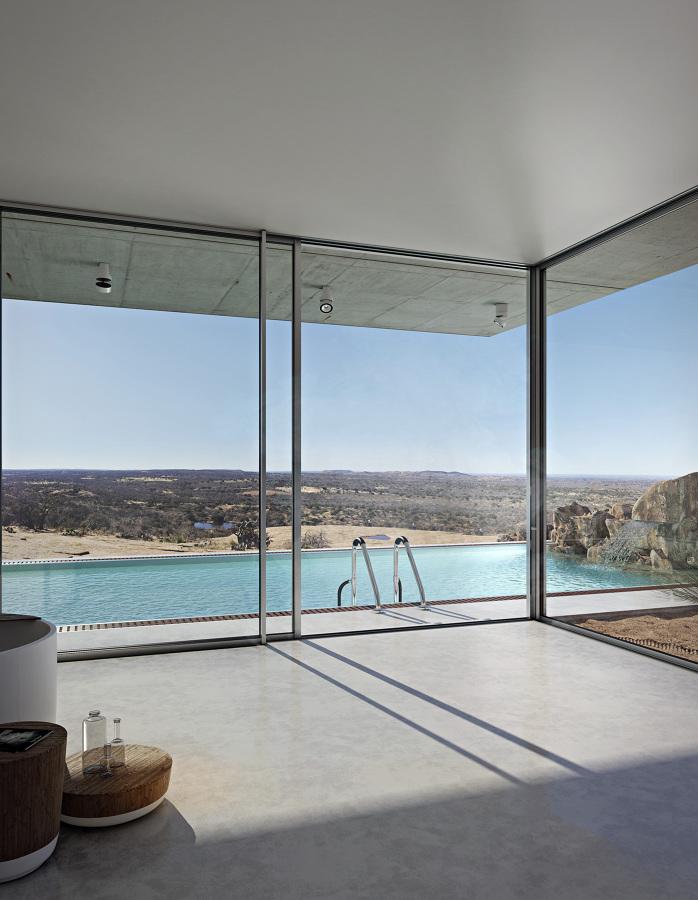 Overview, ambiente in piscina