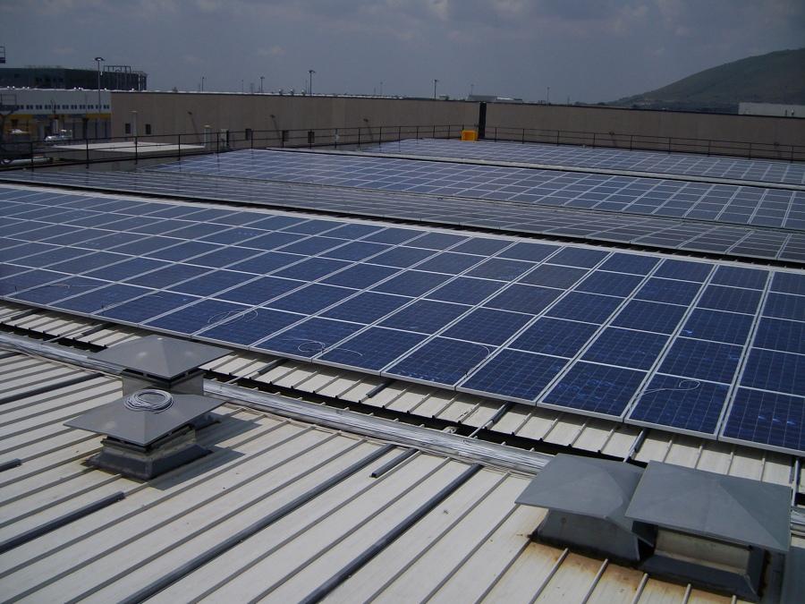 Foto pannelli solari di g a impianti tecnologici 380925 for Pannelli solari immagini