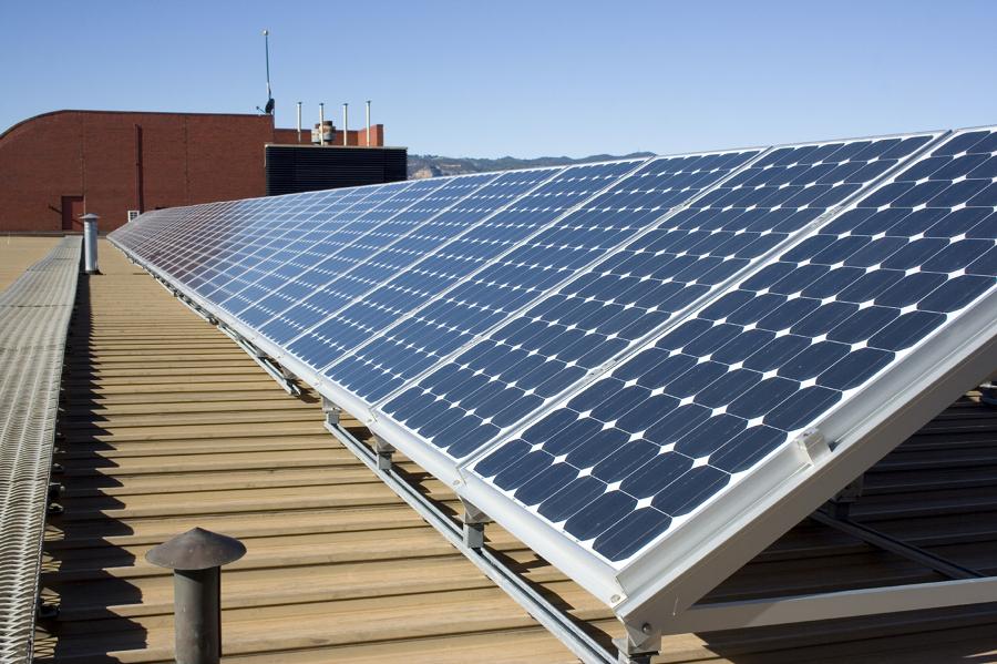 Foto pannelli solari tetto de valeria del treste 328620 for Pannelli solari immagini