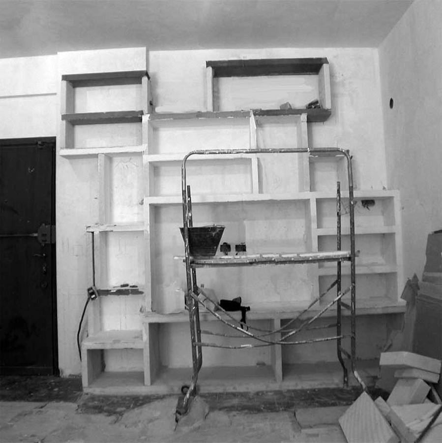 parete attrezzata durante i lavori