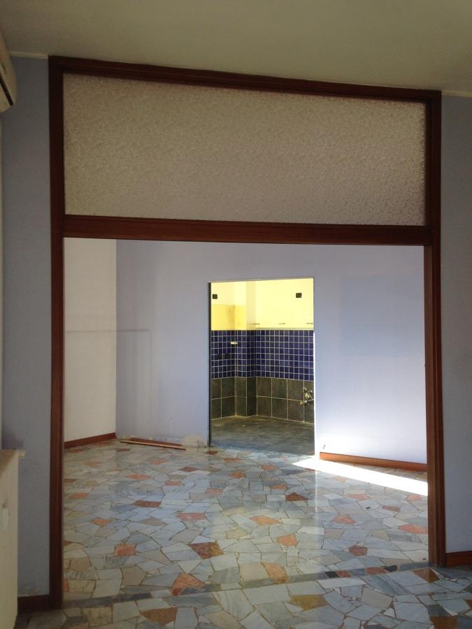 Foto parete divisoria tra cucina e sala di arch vecchio for Parete sala