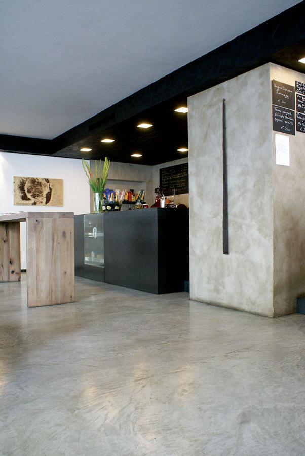 parete  e pavimento in cemento resina