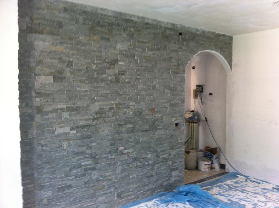 Foto parete in geo pietra grigia con arco in cartongesso - Arco interno casa ...