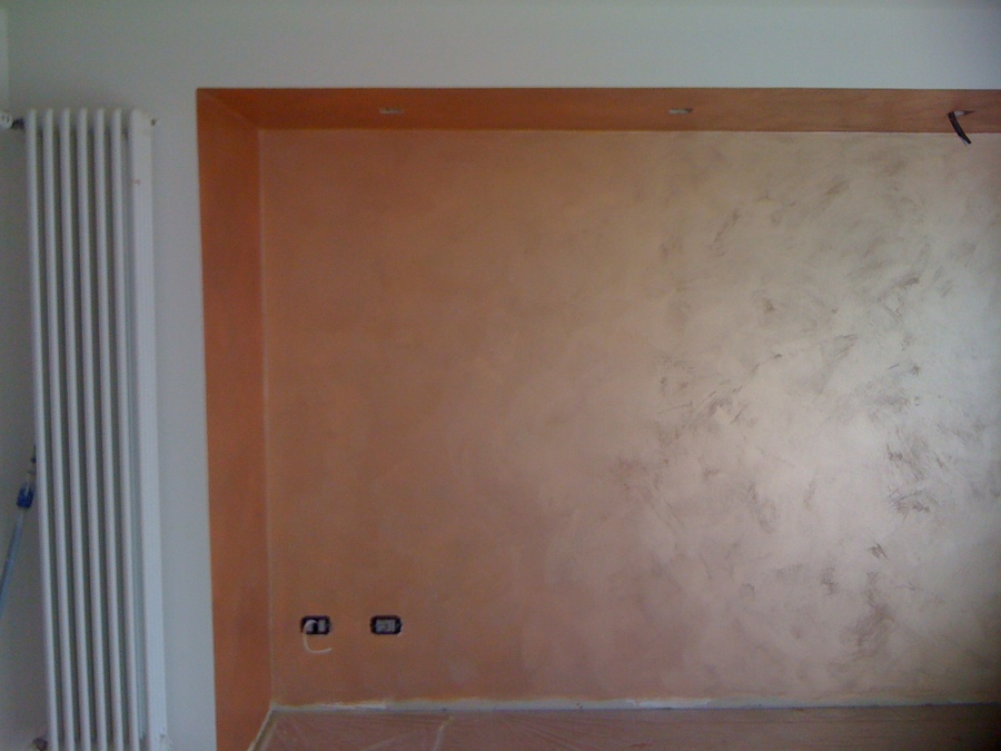 Pittura Bronzo Per Pareti.Foto Parete In Velatura Metallica Color Bronzo Di Carluccio