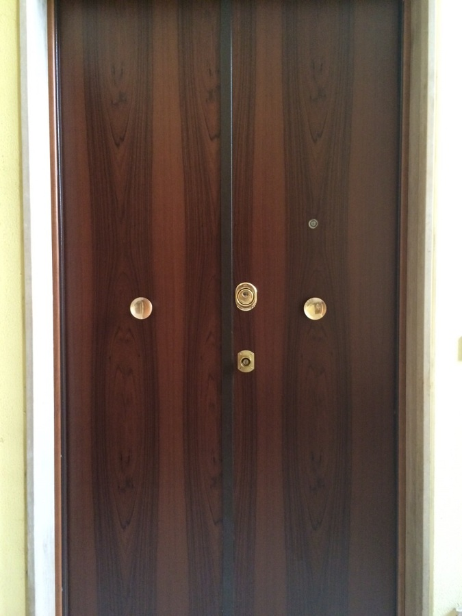 Parte esterna della porta