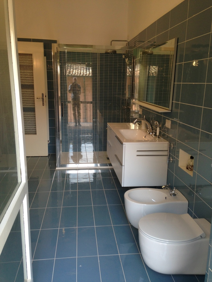 Casa moderna roma italy costo rifacimento bagno for Rifacimento bagno costi