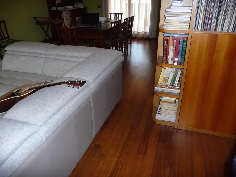 particolare essenza legno soggiorno