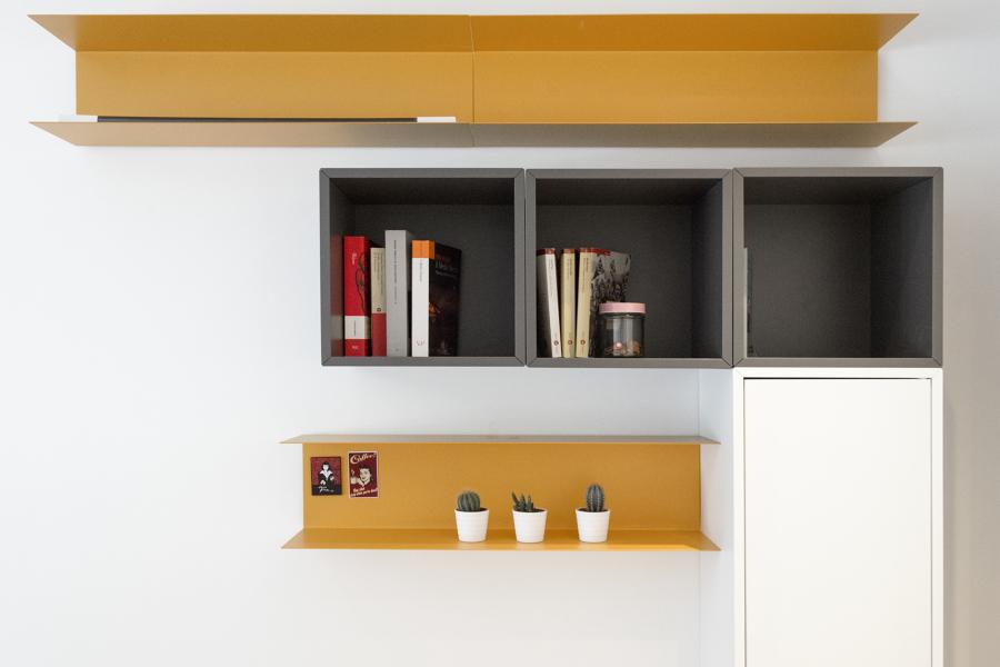 Particolare libreria camera da letto
