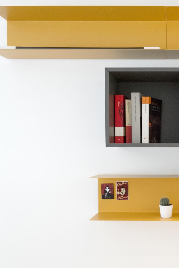 Libreria da camera interesting moderno e minimalista for Libreria in camera da letto