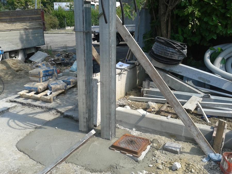 Particolare Pilastri nuovo cancello carrabile