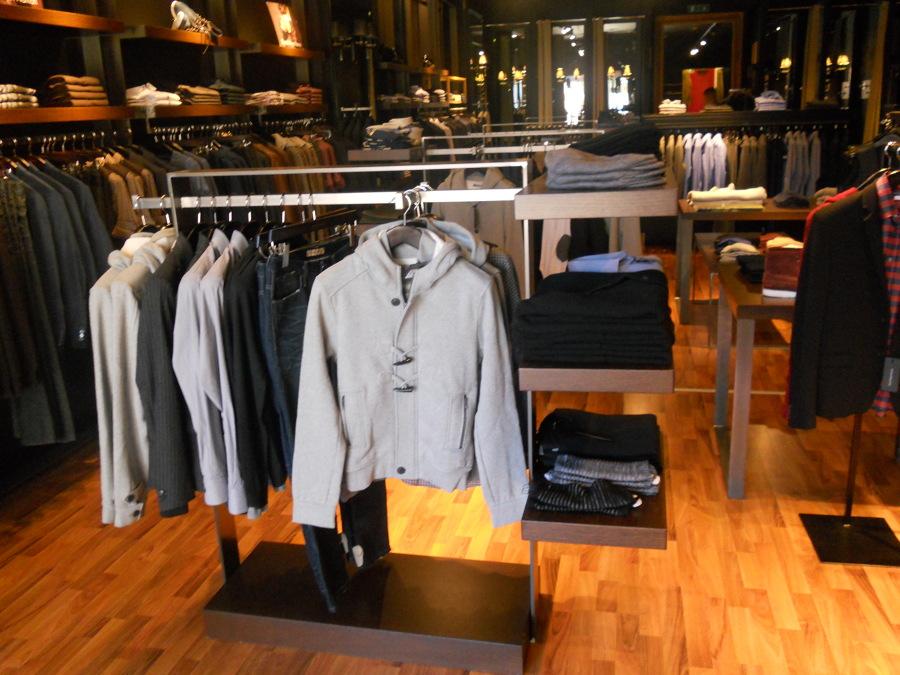 Nota catena d 39 abbigliamento uomo idee mobili for Catena negozi arredamento casa