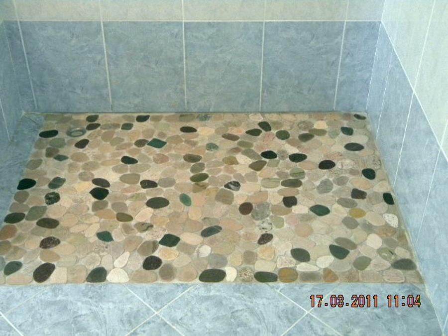 Progetto realizzazione piatto doccia in mosaico idee ristrutturazione bagni - Doccia a pavimento mosaico ...