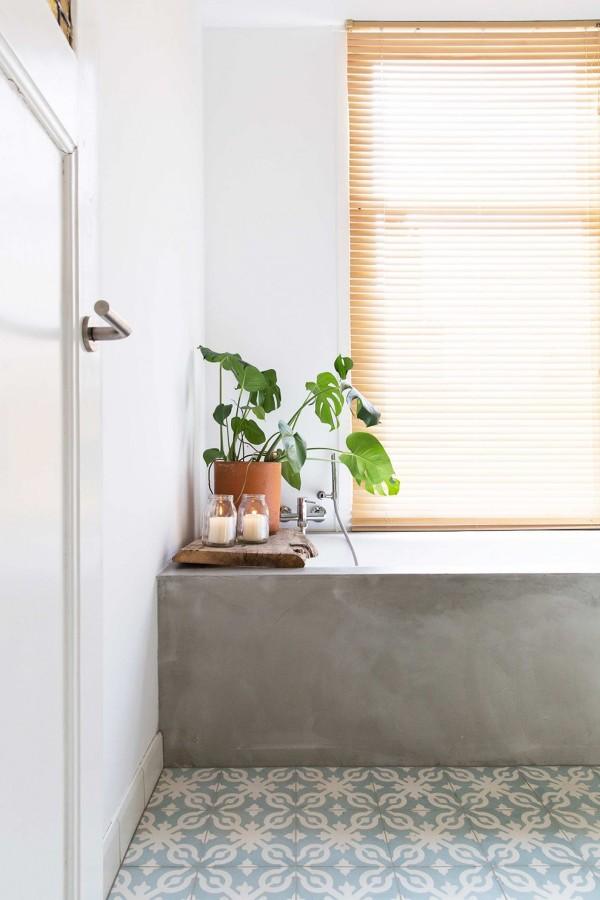 Foto pavimenti adesivi bagno di rossella cristofaro for Finti pavimenti adesivi