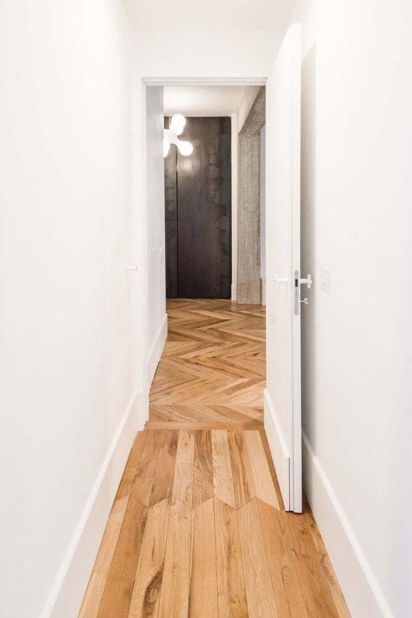 Pavimento in legno realizzato con vecchie travi