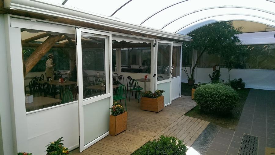 Foto pensilina pi chiusure ermetiche e porte in alluminio di oasis srl semplificata 387881 - Tenda da tetto oasis ...