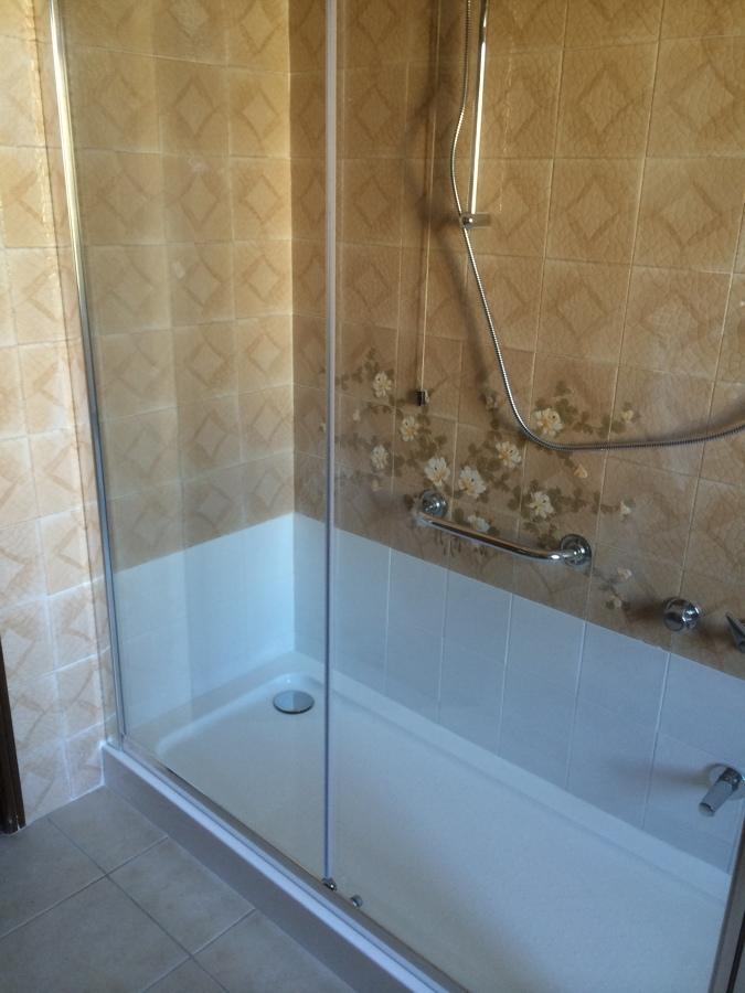 Progetto sostituzione vasca da bagno con doccia stesse dimensioni cm 170 x 70 idee - Sostituzione vasca bagno con doccia ...