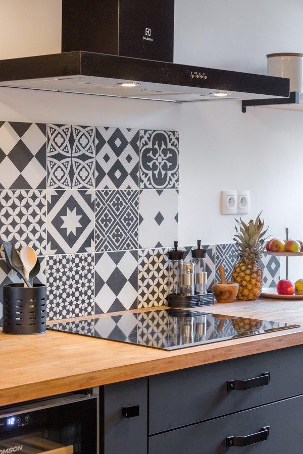 Foto piastrelle cucina decorate di rossella cristofaro 558800 habitissimo - Piastrelle cucina ikea ...
