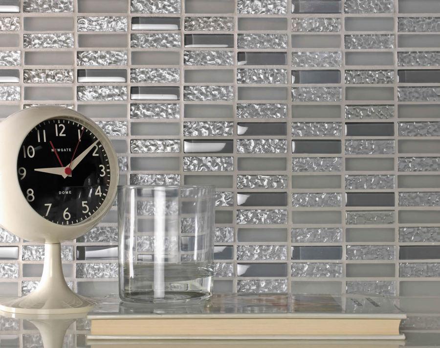 Piastrelle che materiale scegliere idee muratori for Piastrelle mosaico per cucina