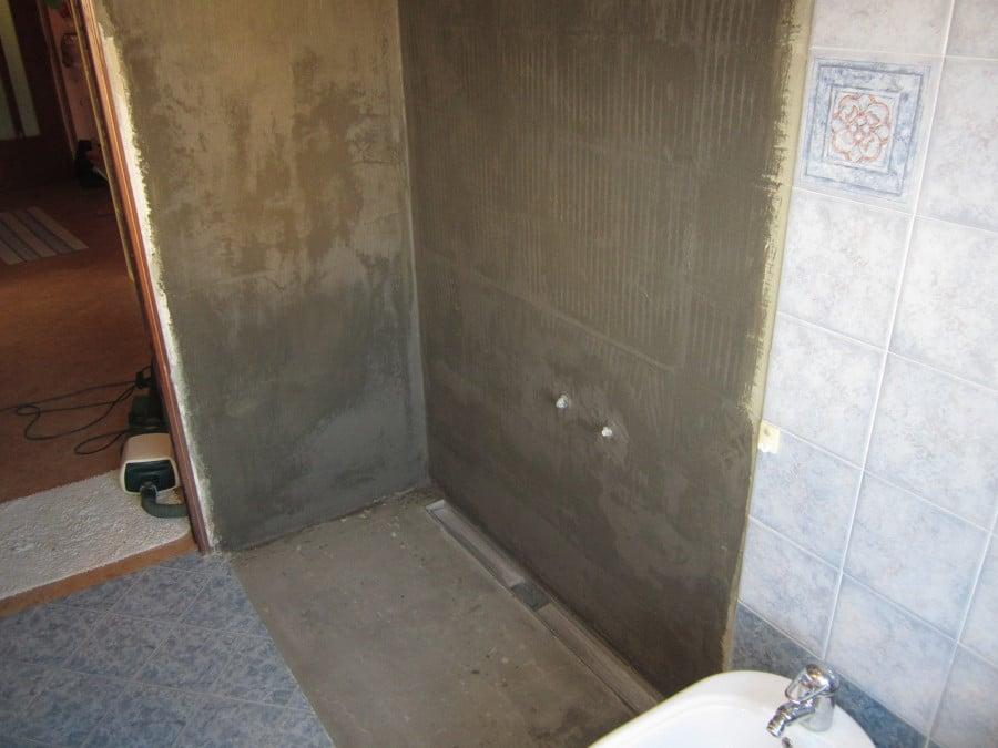 Progetto di trasformazione vasca in doccia idee ristrutturazione bagni - Piatto doccia piastrellabile ...