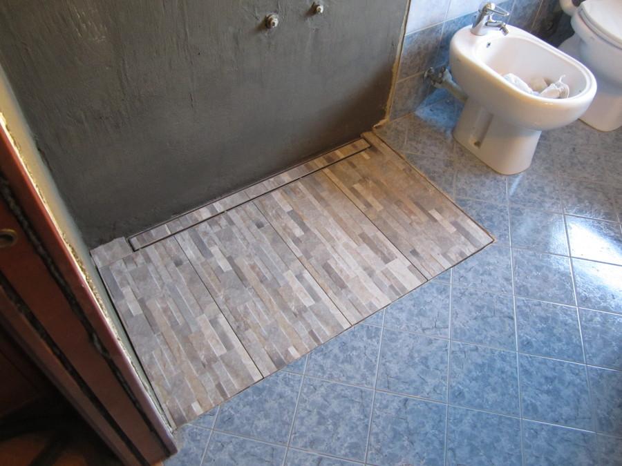 Foto: piatto doccia in muratura di d&p edilizia generale #245773 ...