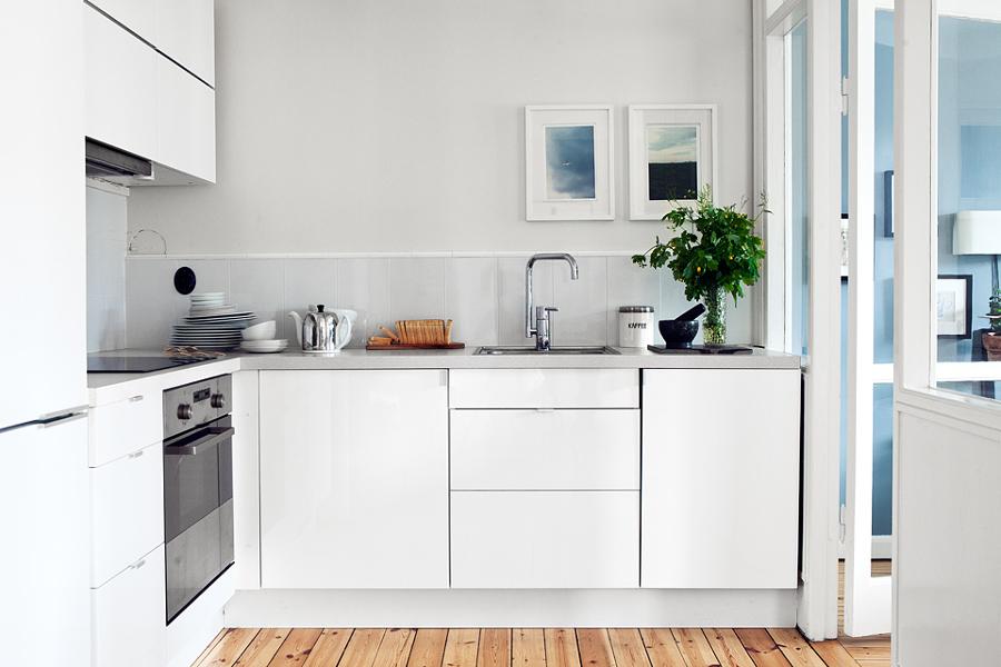 Cucina piccola come sopravvivere idee ristrutturazione - Idee cucina piccola ...