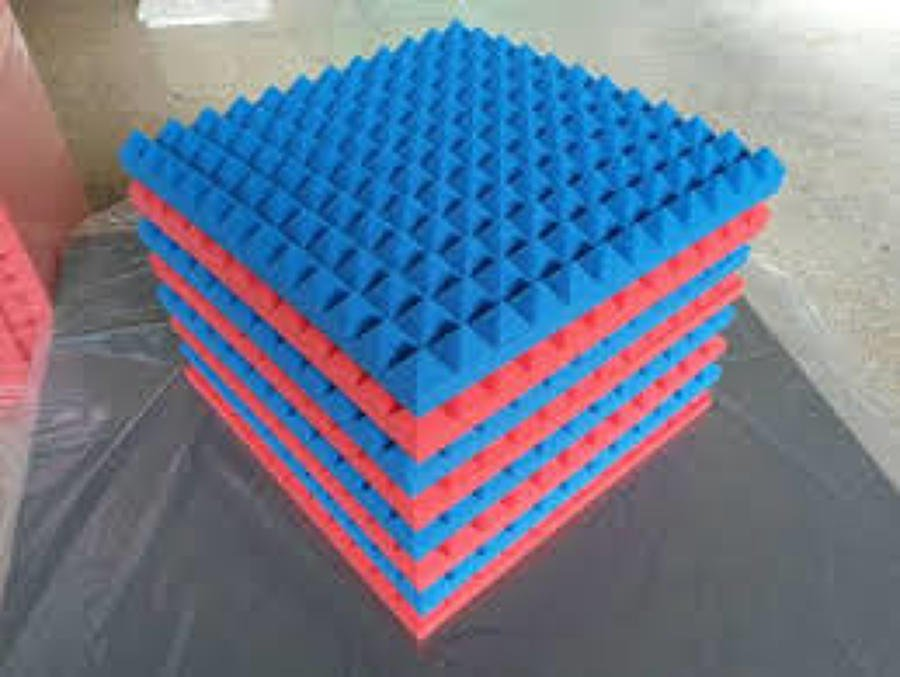Pannelli fonoassorbenti piramidali eco friendly senza for Pannello fonoassorbente leroy merlin