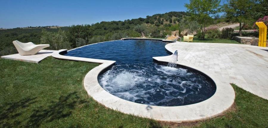 Foto piscina con idro di manisi piscine service 381622 for Quanto costa un giro in piscina per costruire