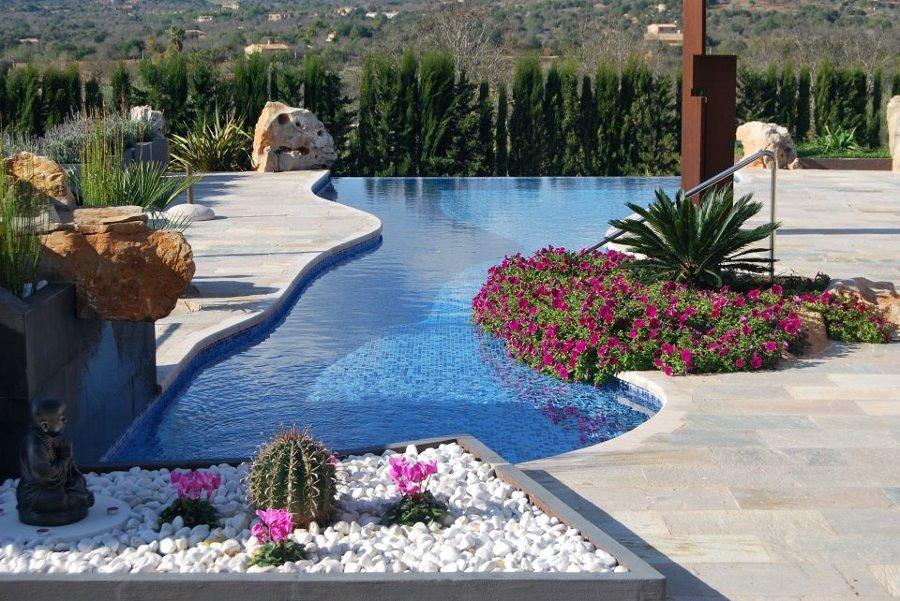 come arredare una piscina in stile etnico | idee interior designer - Come Arredare Un Giardino Con Piscina