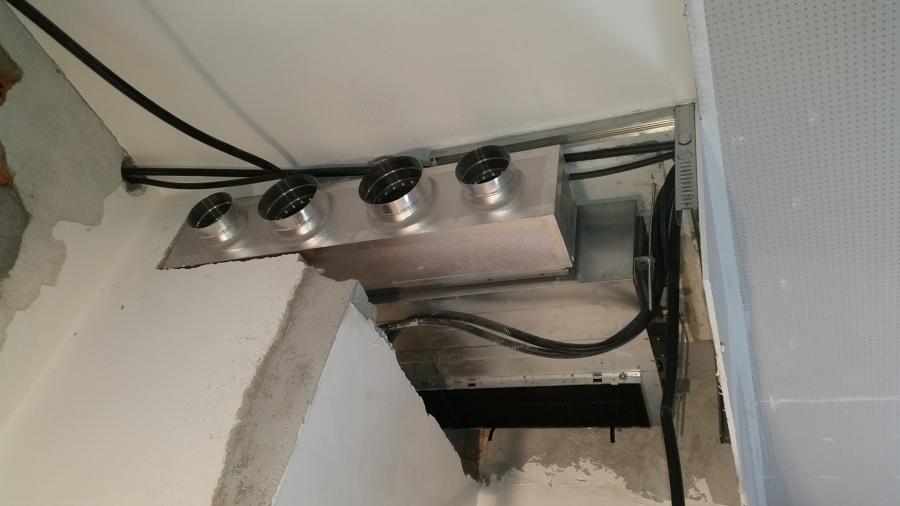 Impianto canalizzato con bocchette motorizzate airzone for Impianto condizionamento canalizzato